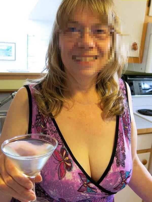 Femme adultère recherche uniquement à baiser sans capote avec creampie